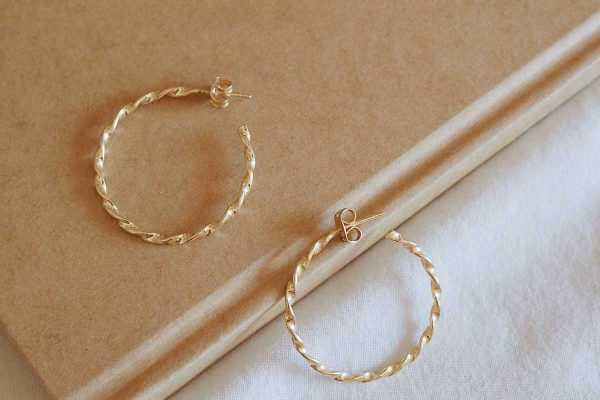 clean-gold-jewelry