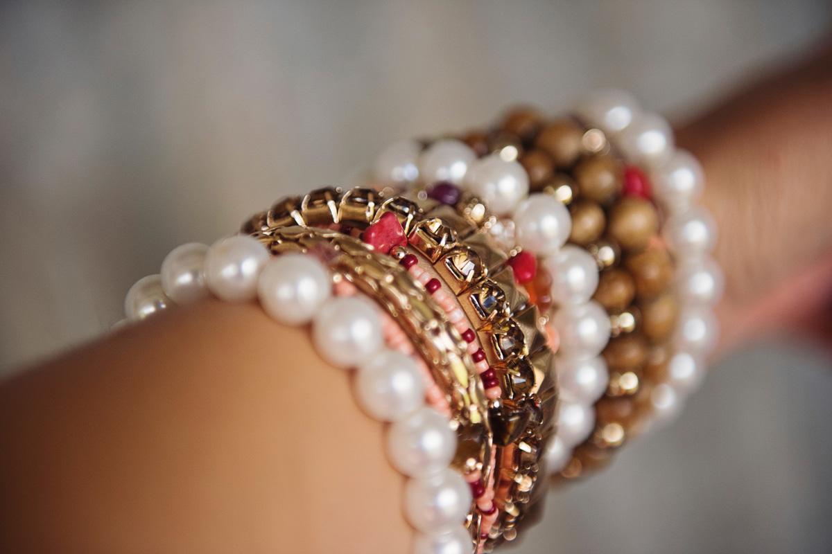 use of a bracelet