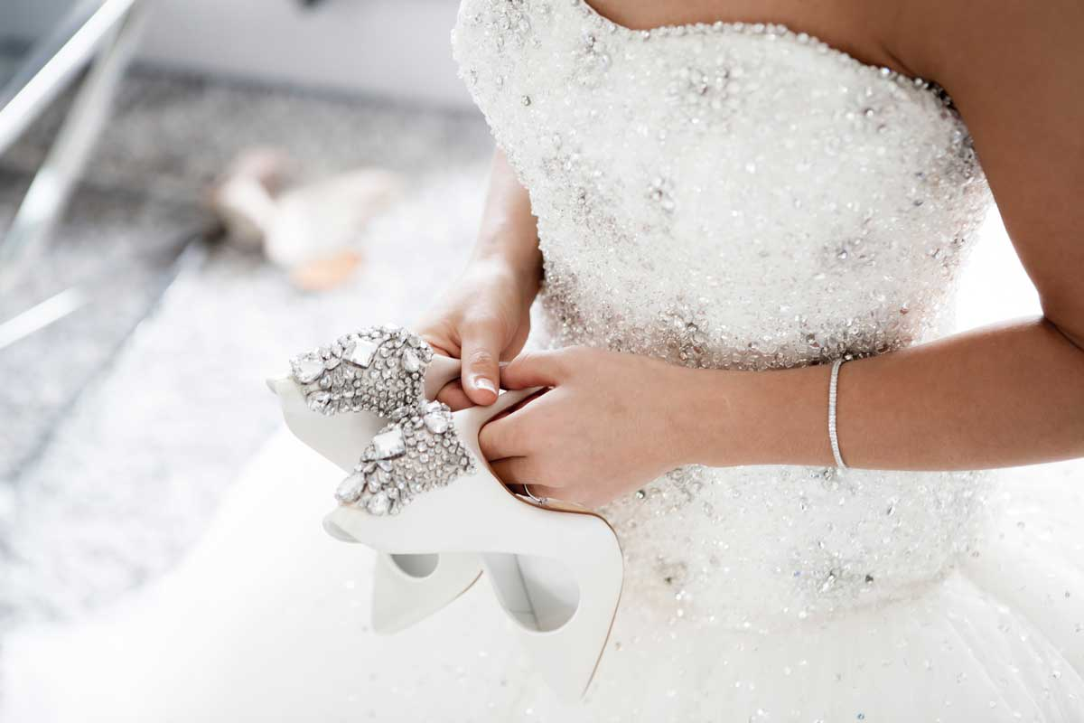 glue for swarovski crystal on clothing