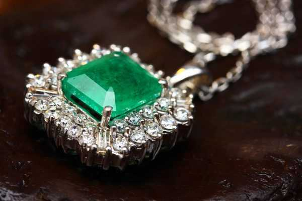 How-to-Tell-If-Your-Emerald-Is-Real