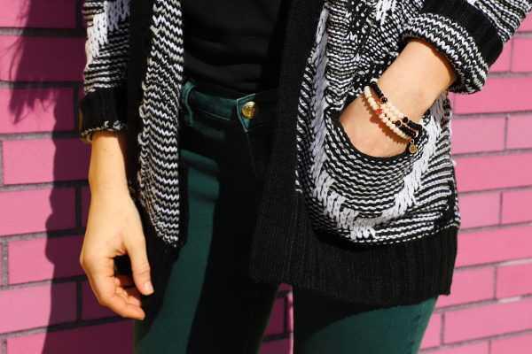 Hand-To-Wear-Crystal-Bracelet