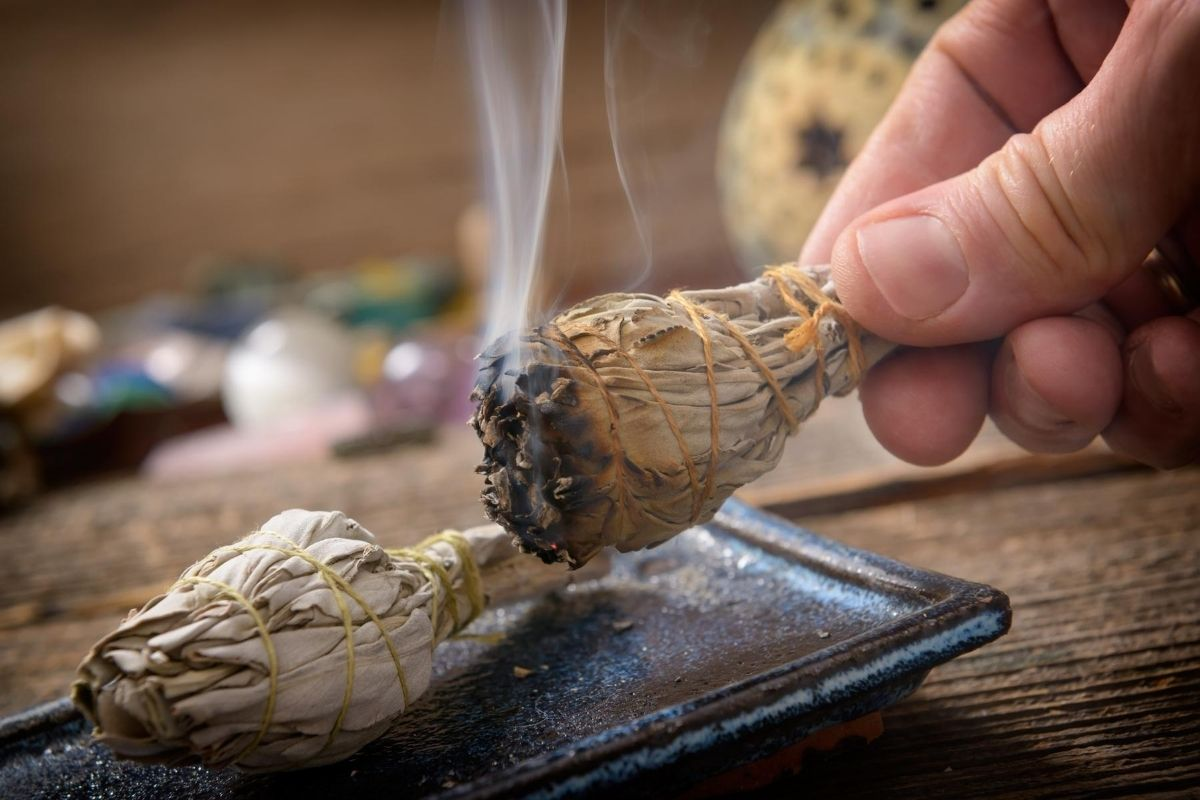 Benefits of Burning Sage
