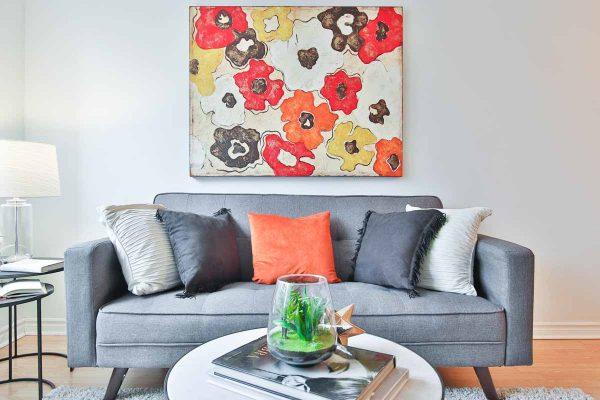 feng-shui-living-room-add-art