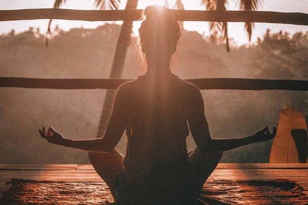 meditation-with-feng-shui-obsidian-bracelet